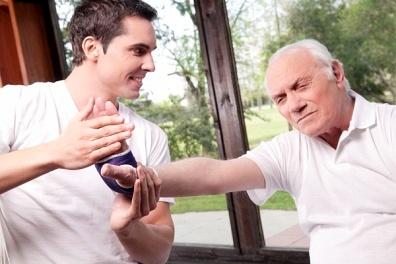 老年癫痫病是由于哪些原因引起的